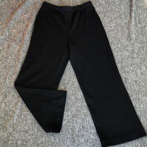 Black sweater St. John Basics